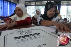 Puluhan Tunanetra Siapkan Pendakian Gunung Manglayang Bandung