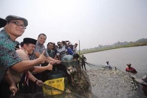 Gubernur Lampung Ridho Ficardo Mencanangkan Sentra Perikanan Air Tawar