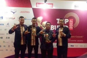 Gubernur Lampung M. Ridho Ficardo Meraih Penghargaan Pembina BUMD Terbaik