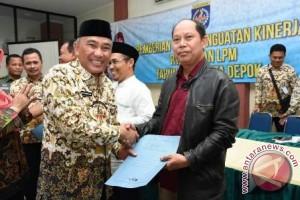 Pemkot Depok Bagikan Dana RT/RW Dan LPM