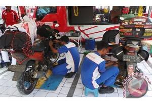 Jelang Lebaran Jasa Service Motor Mulai Dipadati