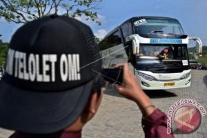 Bus Pesta, Ditemukan Izinnya Palsu