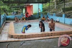 Pemandian Air Panas Cikundul Andalan Pemkot Sukabumi