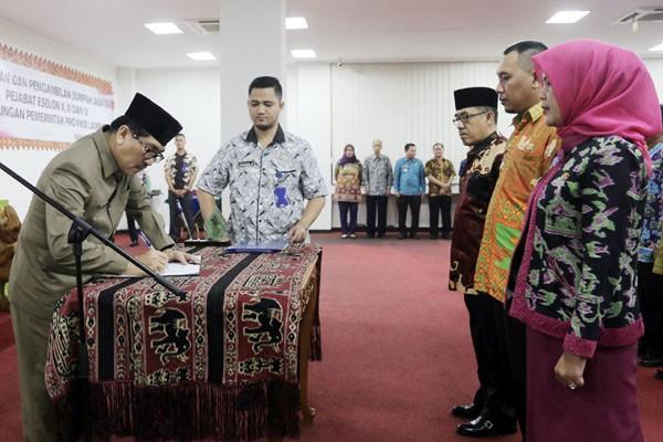 Gubernur Lampung Ridho Ficardo Melantik 220 Pejabat dan Kepala SMA