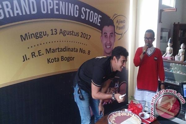 Aktor Ali Syakieb Rambah Bisnis Cake