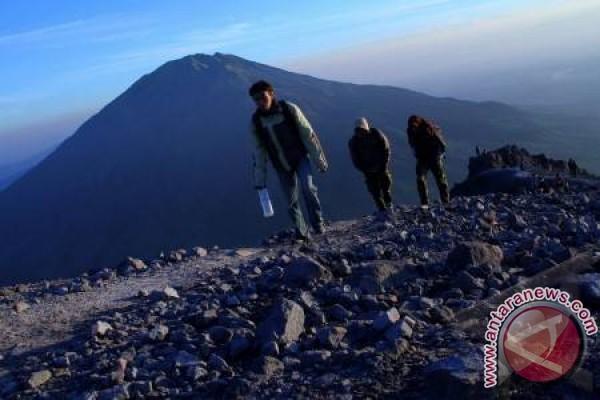 Gunung Merapi alami letusan