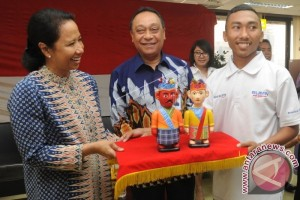 Rini Soemarno Menteri BUMN Penggemar Musik Jazz