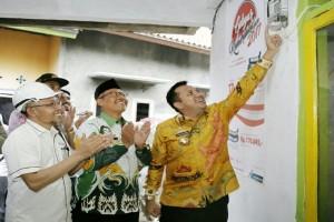 Gubernur Lampung Ridho Ficardo Meresmikan Listrik Di 25 Desa