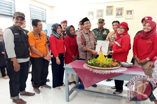 DPD RI Bantu Honor Guru Sukarelawan Pulau Tegal Lampung (Video)