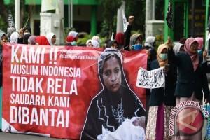 60.000 Warga Rohingya Lari Dari Myanmar Ke Bangladesh
