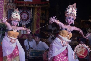 Shakira Memilih 'Shooting' Di Bali Disambut Baik