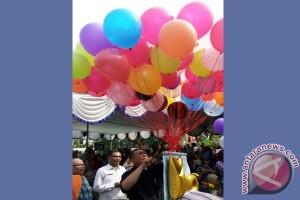 Demiz-Syaikhu Kompak Hibur Peserta Imunisasi Campak-Rubella Bekasi (Video)
