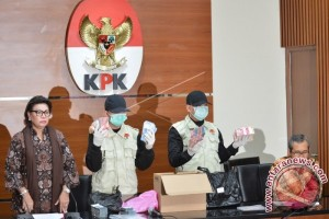 Bupati Batubara OK Arya Zulkarnain Resmi Ditahan KPK