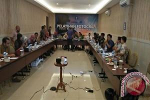 Puluhan Dosen Muda IPB Ikuti Pelatihan Fotografi
