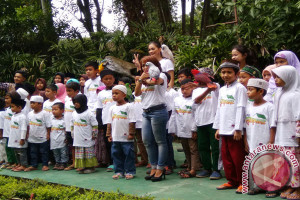 Hiburan Anak Yatim Di 'Animal Show' Puncak (Video)