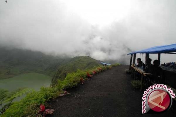 Gunung Papandayan ramai pengunjung