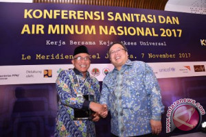 Wali Kota Depok Raih Penghargaan AMPL Award