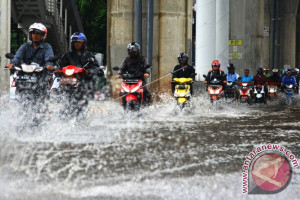 DKI Jakarta menyiagakan seluruh pompa air antisipasi banjir kiriman