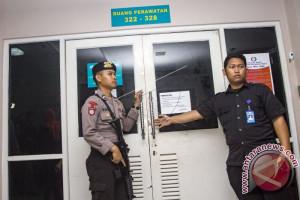 KPK Memindahkan Ketua DPR Setya Novanto Ke RSCM