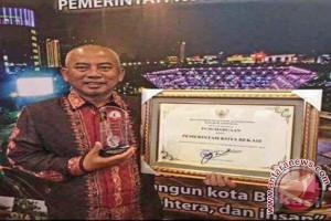 Wali Kota Bekasi Raih Pengakuan Presiden Sebagai Pembina HAM