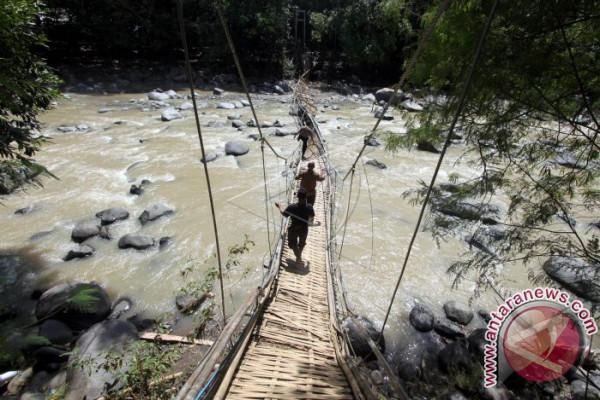 Jembatan Gantung Ambruk