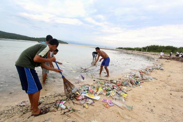 Ini Strategi Pakar IPB Untuk Kurangi Dampak Sampah Plastik di Laut