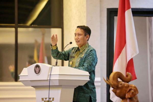 Didik Suprayitno Memberikan Pengarahan Kepada Pejabat Pemprov Lampung