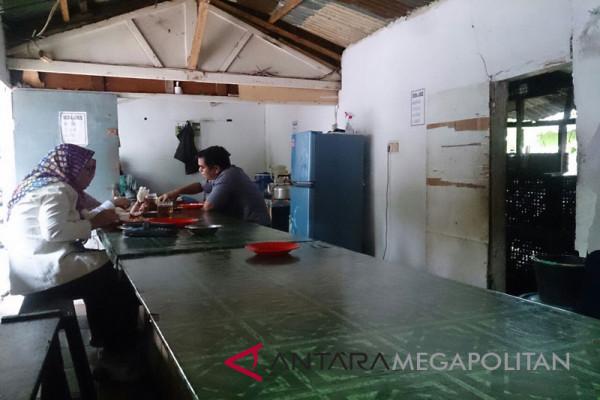 Nikmatnya pepes ikan di warung Nita dekat kampus IPB