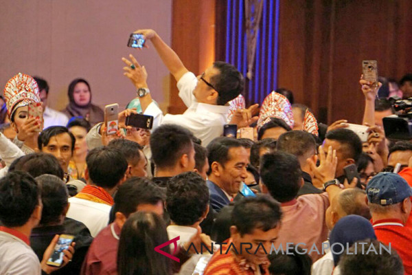 Swafoto Presiden Joko Widodo