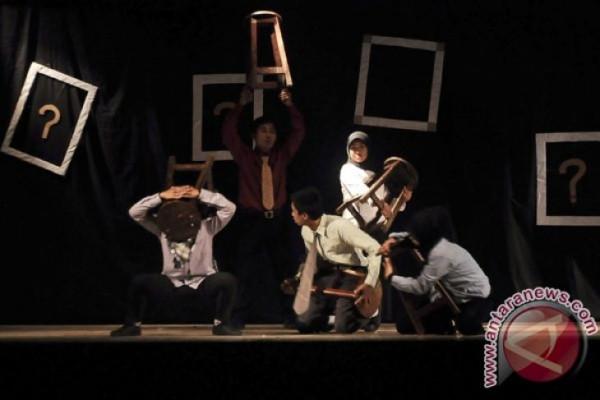 Seniman teater nasional jangan bergantung sponsor