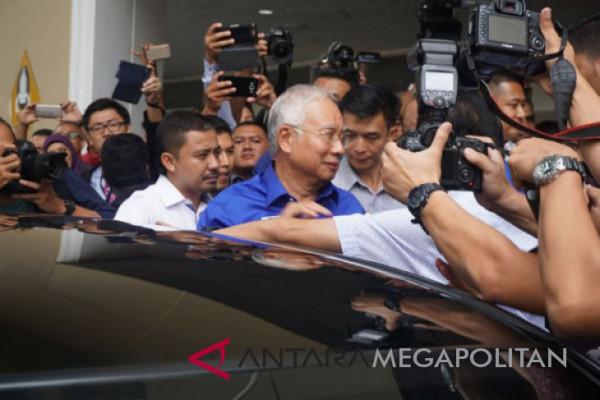 Najib Abdul Razak ditahan atas tuduhan korupsi
