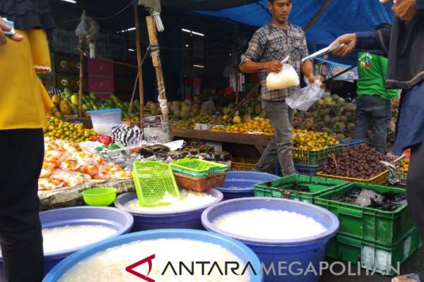Pedagang kolang-kaling bermunculan selama Ramadhan