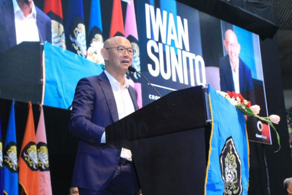 CEO Founder Crown Property Group Iwan Sunito