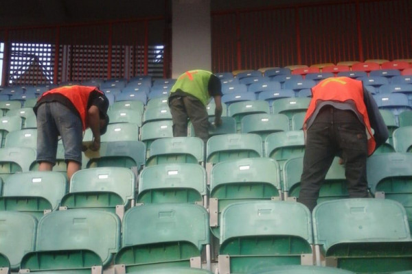 25.395 bangku Stadion Wibawa Mukti Bekasi dinomori