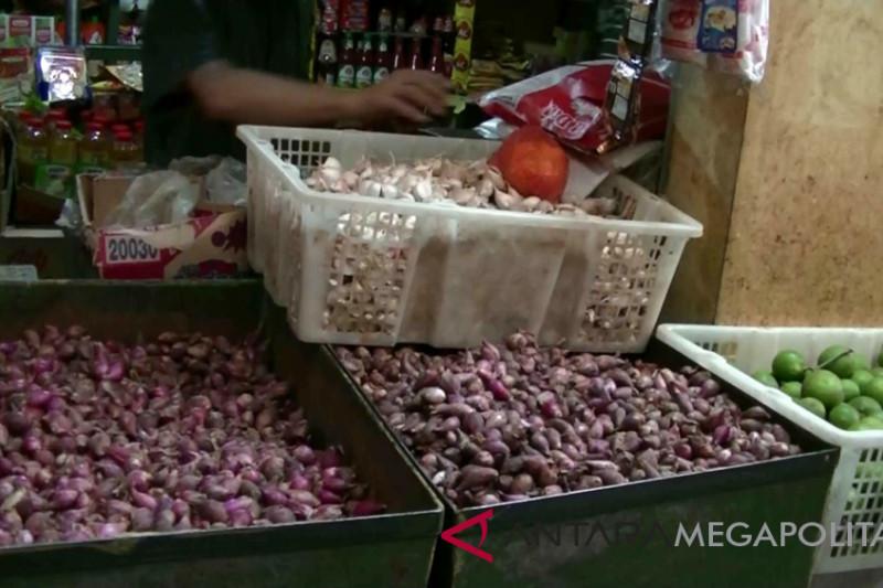 Harga bawang dan cabai di Sukabumi anjlok