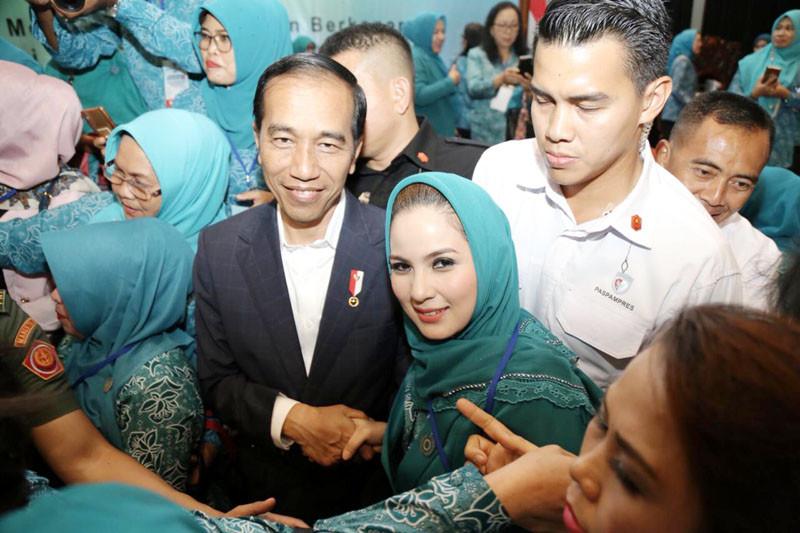 Kinerja Jokowi di mata anak muda