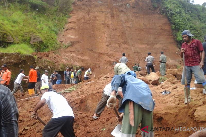 Seluruh kecamatan di Sukabumi rawan bencana