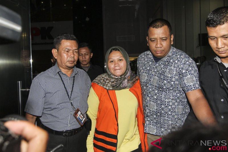 Ditahan KPK, Neneng Hassanah dalam kondisi hamil