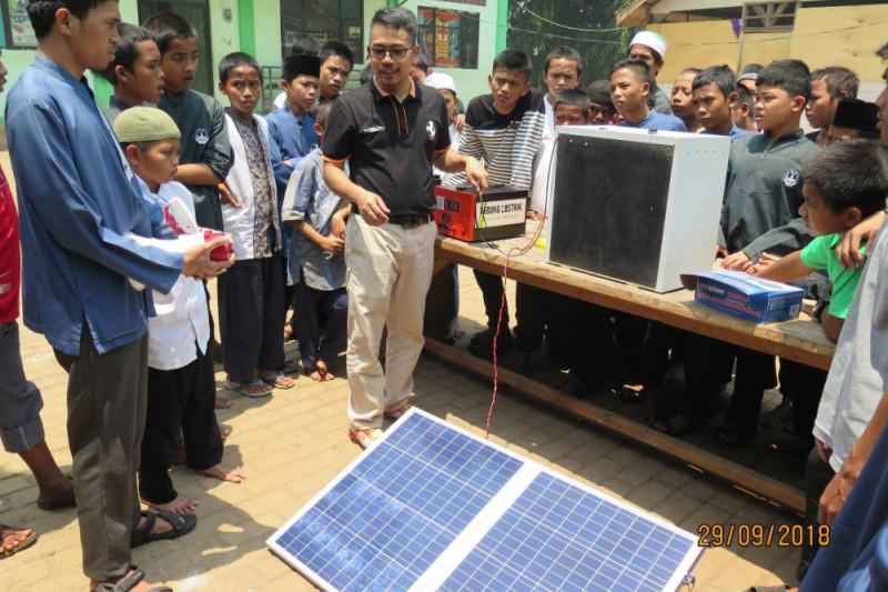 Dosen UI ciptakan mesin penetas tenaga surya