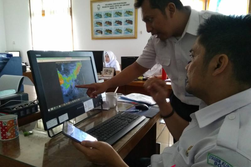 BMKG: Hujan ekstrim berpotensi terjadi hingga Desember