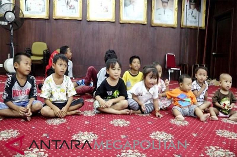 Anak-anak pengungsi korban tsunami Selat Sunda di Lampung