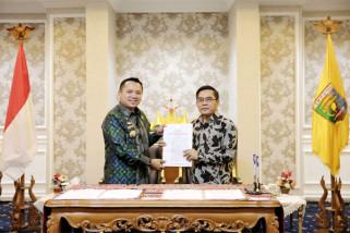 Gubernur Ridho Ficardo Hibahkan Tanah Ke SMTI Bandarlampung