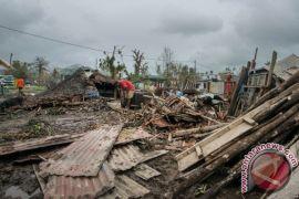 Topan picu tanah longsor mematikan di Filipina