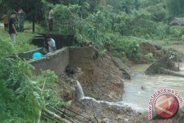 Irigasi di Abdya jebol akibat diterjang banjir