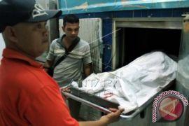 Polisi evakuasi mayat di Aceh Utara