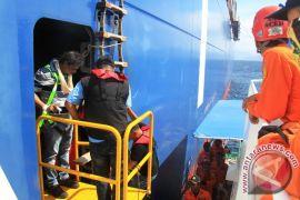 Tim SAR evakuasi ABK kapal kargo berbendera Liberia