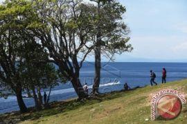Wisman kagumi taman laut di Sabang