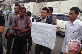 Ketua APDESI demo KIP Aceh