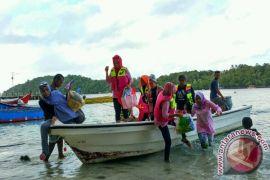 Wisatawan takjub lihat pesona bawah laut Sabang