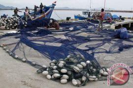 Nelayan Aceh Barat butuh pelabuhan perikanan